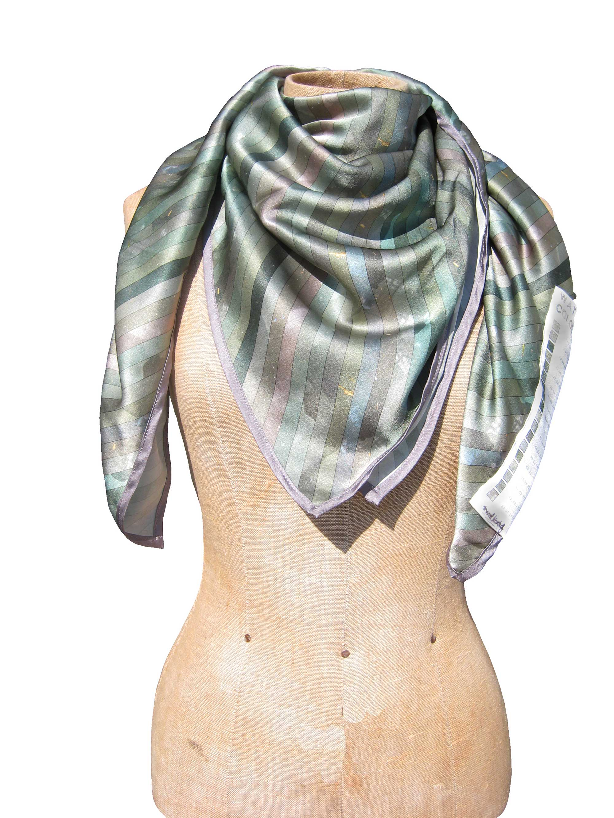 water-colour-scarf_square_merel-karhof03