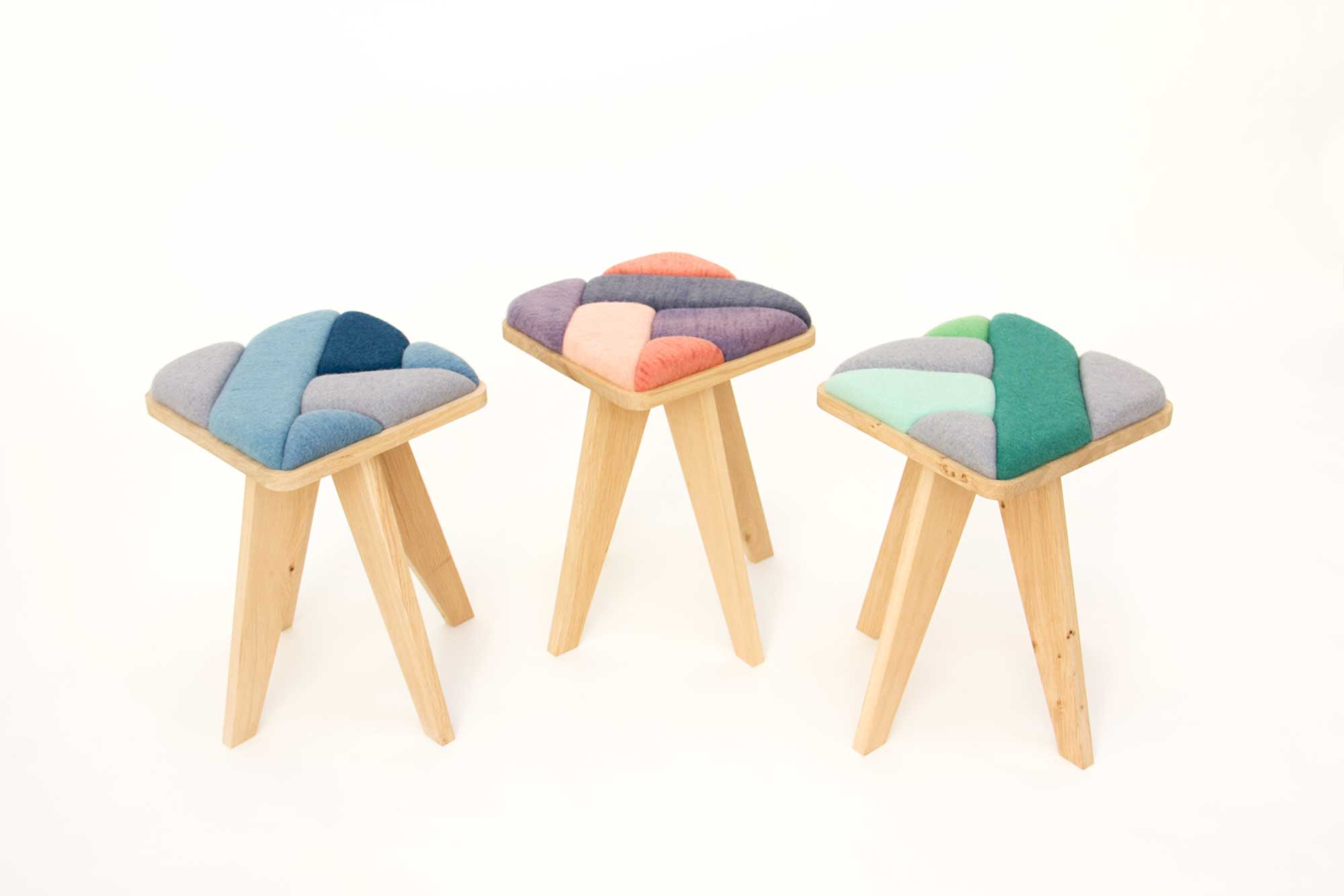 wind-stools-merel-karhofindigo_madder_logwood_synthetic-green